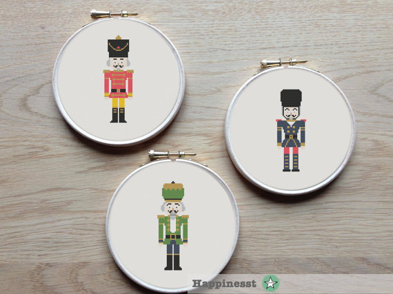 set of 3 nutcracker, toy soldier