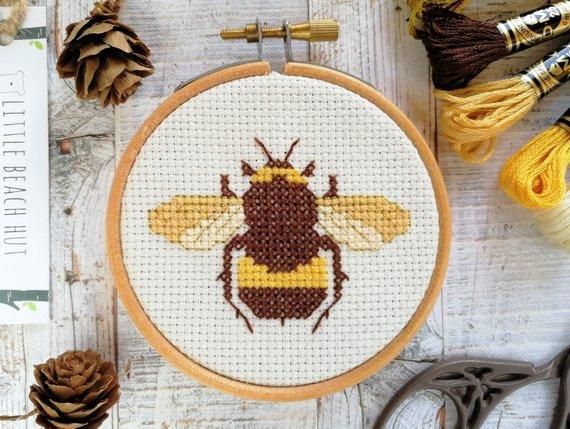 Cute bee sewing kit
